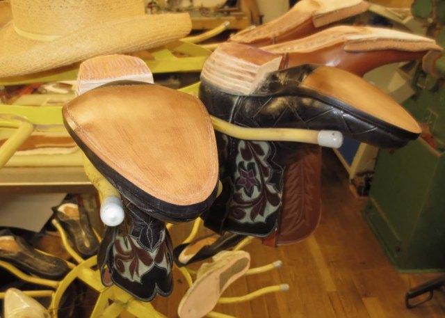 Rubber heel caps
