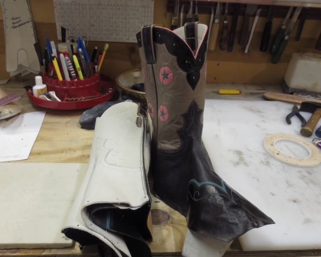 Turning boots