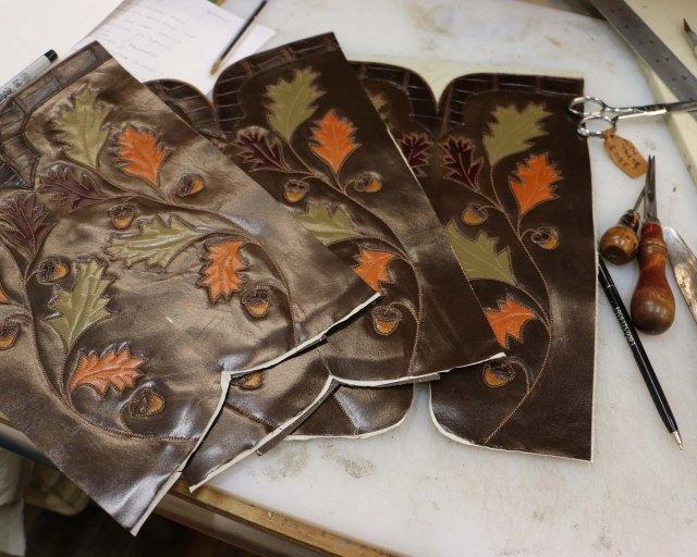 Oak leaf tops
