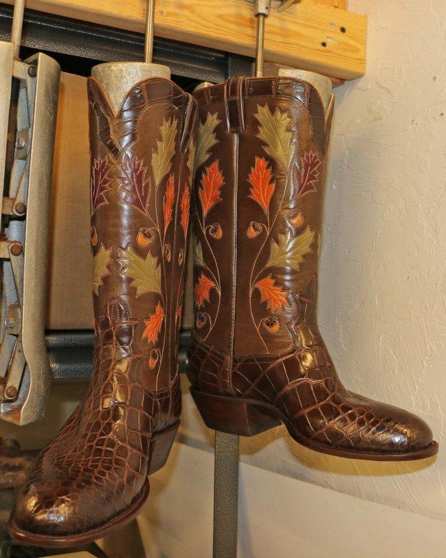 Oak leaf boots